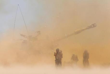 Hamas spara 15 razzi verso Dimona, c'è la centrale nucleare thumbnail
