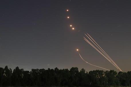 Israele: ripreso lancio razzi verso sud Paese thumbnail