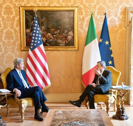 Draghi-Kerry, avanti insieme su clima e decarbonizzazione thumbnail