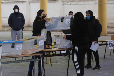 Cile: Costituente, in testa indipendenti e sinistra thumbnail