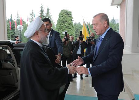 Iran e Turchia sollecitano misure comuni contro Israele thumbnail