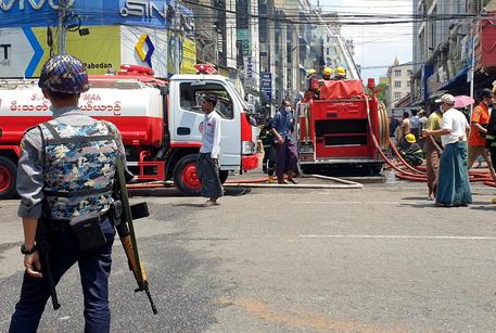Birmania: bilancio vittime supera quota 800 thumbnail