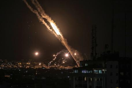 Israele: intenso lancio di razzi da Gaza verso sud Paese thumbnail