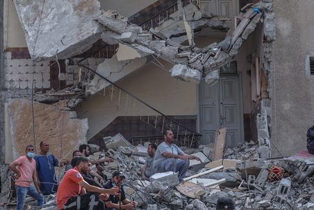 Ministero Anp, 220 i morti in 'aggressione israeliana' thumbnail