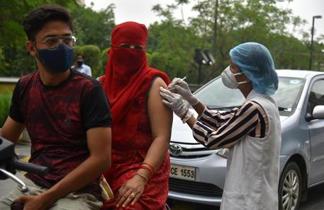Covid: India, i contagi superano la soglia dei 25 milioni thumbnail
