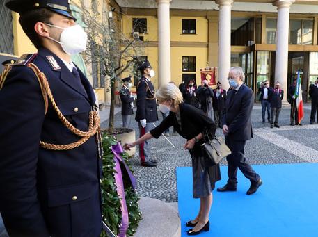 Terrorismo: Calabresi, arresti Francia gesto simbolico thumbnail