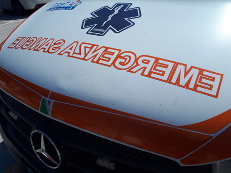 Bambina morta in incidente stradale, grave la madre thumbnail