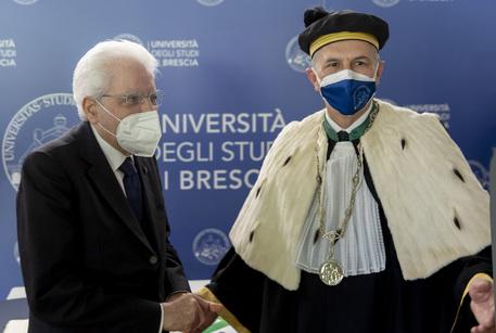 Covid:Mattarella, questo è il tempo del rilancio dell'Italia thumbnail