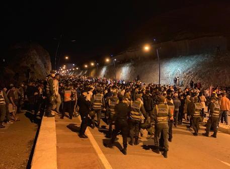 Migranti: 85 entrano in enclave spagnola di Melilla thumbnail