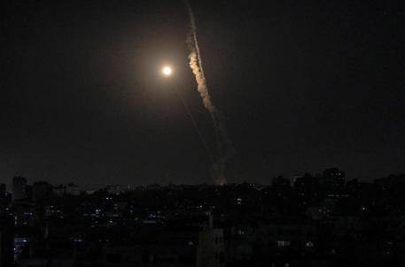 Israele: da Gaza lanciati 3.750 razzi thumbnail