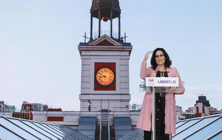 Madrid: il Psoe chiede nuova multa per propaganda ad Ayuso thumbnail