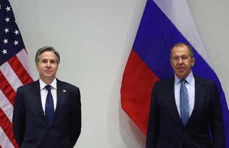 Lavrov, con Blinken colloqui 'costruttivi' thumbnail