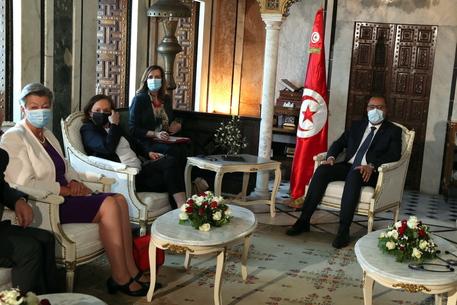 Lamorgese a Tunisi:passi avanti su rimpatri, controllo coste thumbnail