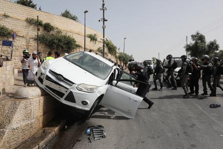 Gerusalemme, scontri sulla Spianata delle Moschee thumbnail