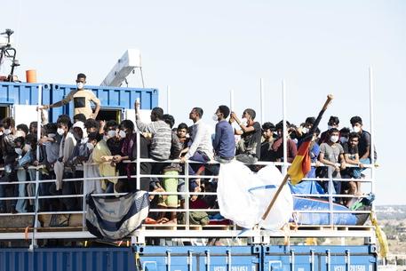 Migranti: Sea Eye, a Pozzallo frasi razziste thumbnail