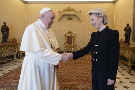 Papa ha incontrato Ursula von der Leyen thumbnail