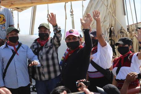 Messico: delegazione zapatista salpa per 'invadere' Europa thumbnail
