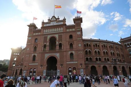 Covid: a Madrid la prima corrida dall'inizio della pandemia thumbnail