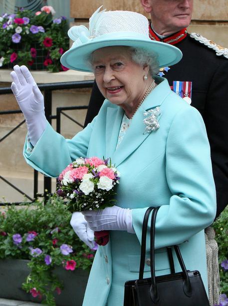 Gb: 100 anni Irlanda del Nord, regina esalta la pace thumbnail