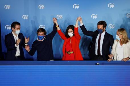 Madrid, la Ayuso trionfa ma avrà bisogno di Vox thumbnail