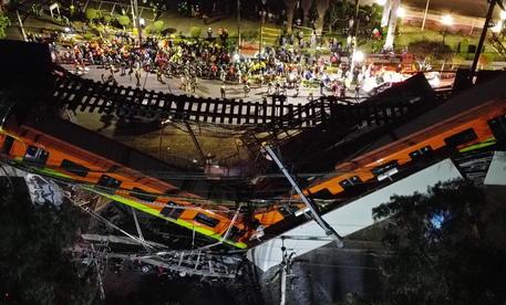 Città del Messico: sindaca, le vittime salgono a 23 thumbnail