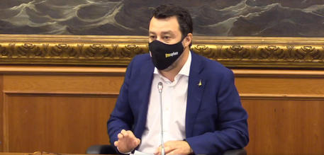 Salvini, ministri Lega porteranno a Cdm richiesta riaprire thumbnail