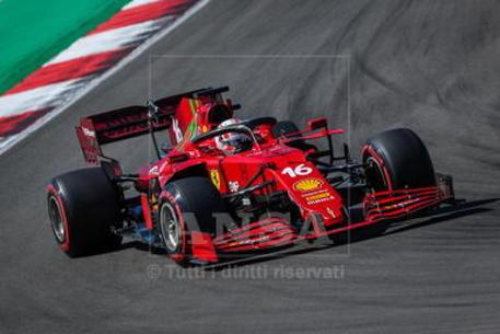 Ferrari: utile netto +24%, posticipati un anno target 2022 thumbnail
