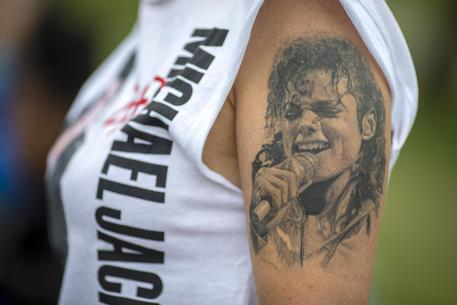 Michael Jackson, tribunale fiscale Usa riduce tasse agli eredi thumbnail
