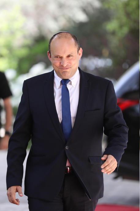 Israele: Bennett via da possibile accordo governo con Lapid thumbnail