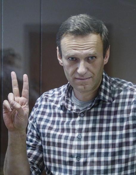Alla Duma legge per escludere da elezioni alleati Navalny thumbnail