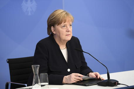Merkel, l'accordo Ue-Cina importante nonostante difficoltà thumbnail