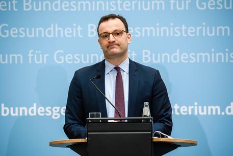 Spahn, in Germania la terza ondata di Covid si è infranta thumbnail