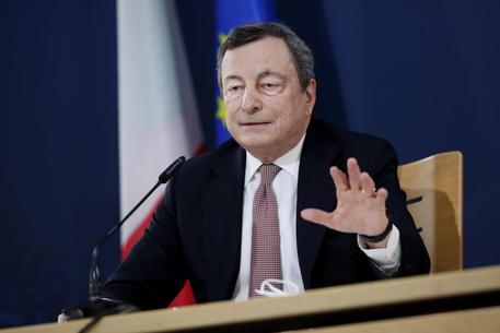 Draghi oggi a question time, domande su migranti e brevetti thumbnail