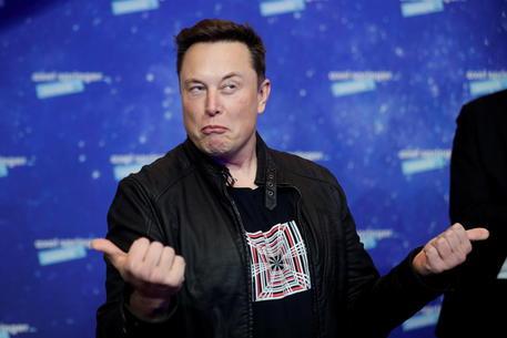 Musk abbandona il Bitcoin, criptovaluta crolla del 16% thumbnail