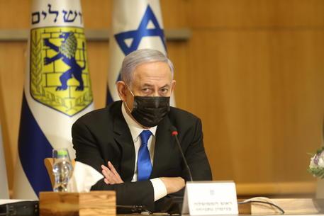 Netanyahu, siamo con la polizia, dai media immagini false thumbnail