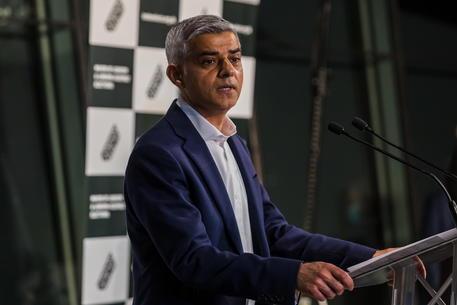 Gb: ufficiale, Khan rieletto sindaco Londra con 55,2% voti thumbnail