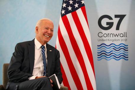 Biden, Stati Uniti saranno l'arsenale dei vaccini nel mondo thumbnail