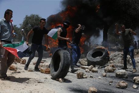 Cisgiordania: adolescente ucciso in scontri con esercito thumbnail