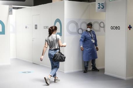 Vaccini: Lazio, stop a Open Week Astrazeneca per 18-30 anni thumbnail