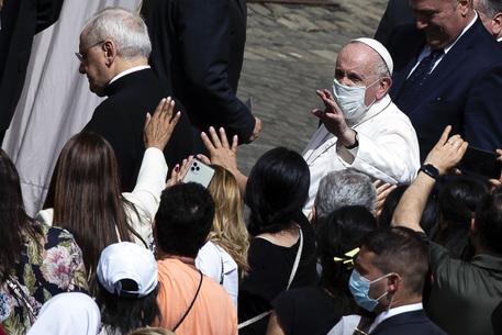 Papa: ad ottobre parteciperà a meeting religioni monoteiste thumbnail