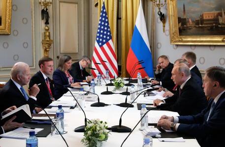 Putin-Biden, robusto dialogo sulla stabilità strategica thumbnail