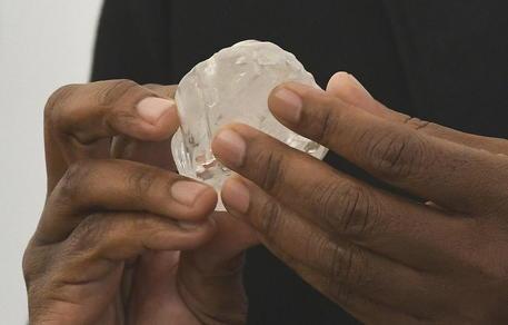 Enorme diamante da 1.174 carati trovato in Botswana