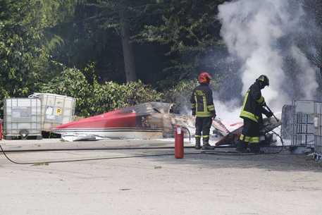 Piccolo aereo precipita a Padova, morto il pilota thumbnail