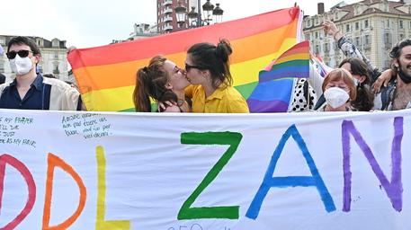 Omofobia: Zan, Italia aspetta legge da troppo tempo thumbnail