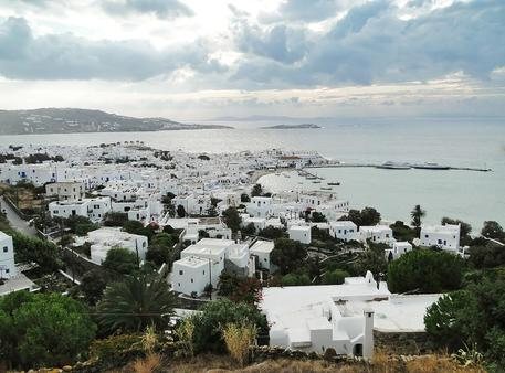 Covid:Atene invia agenti a Mykonos e Ios, rischio chiusure