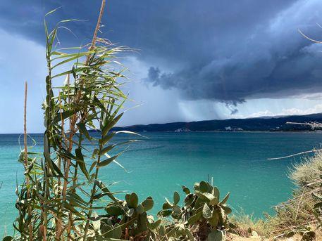 Maltempo: temporali su Gargano, allagati box e strade - Puglia - ANSA.it
