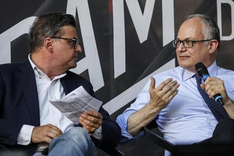 Comunali: prove di intesa Gualtieri-Calenda, ma c