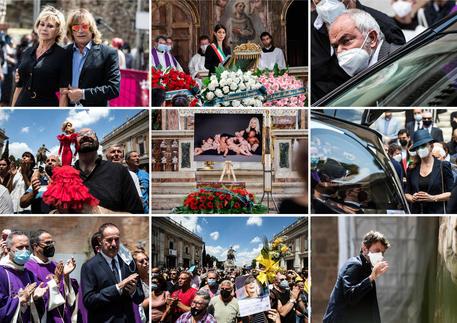 L'ultimo saluto a Raffaella Carrà, i funerali nella basilica dell'Aracoeli