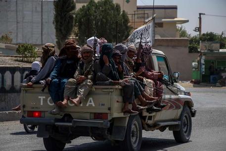 Pattuglie di Talebani a Kandahar © EPA