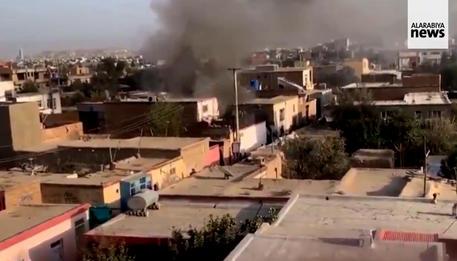 Al Arabiya, l'esplosione nell'area dell'aeroporto di Kabul © ANSA